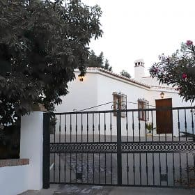 casa rural competa- puerta de acceso
